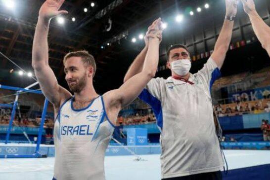 Olympian Dolgopyat arrives home to hero's welcome in Israel