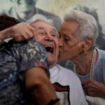 US WWII veteran reunites with Italians he saved as children