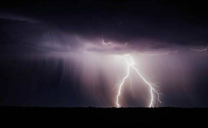 Indian Gov't Develops Special App to Forewarn of Lightning, Which Kills Hundreds Every Year
