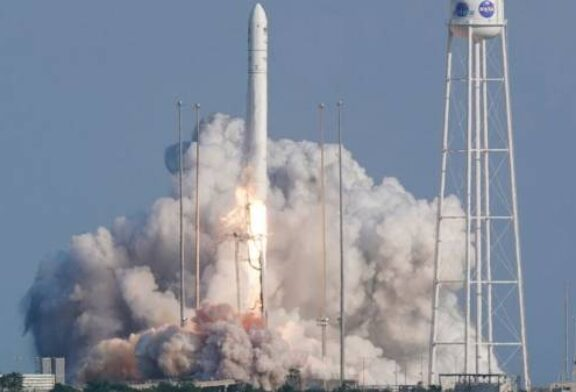 Space station supplies launched with a pizza delivery for 7